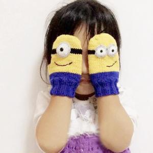 幼儿园宝宝棒针小黄人连指手套