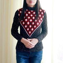 别致的女士钩织结合秋冬套头毛衣