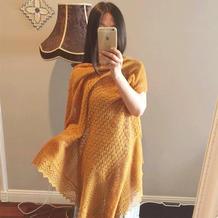 姜黄色女士棒针蕾丝方形大披肩