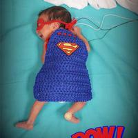 毛线编织让万圣节新生儿监护病房的宝宝们变身超人宝宝