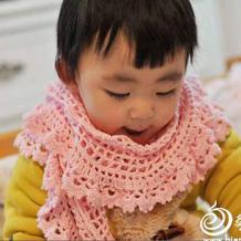 粉色钩针方格编儿童围巾
