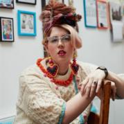 对编织有着强烈偏执狂热的英国另类毛衣设计师Katie Jones