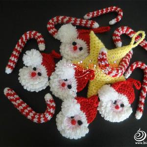 可以装饰圣诞树也可以作小礼物的钩针圣诞吊饰