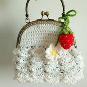 白色浪漫蕾丝钩花口金包