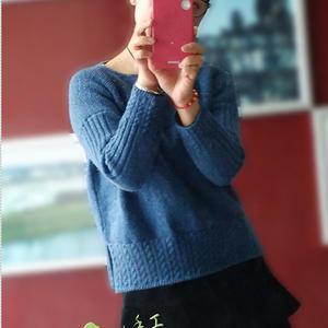 云绒叁柒花蓝彩点女士棒针宽松套头毛衣
