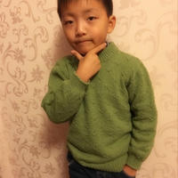 秋草绿云绒叁柒男童棒针圆领毛衣
