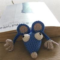 老鼠被书压扁啦 图文详解搞怪老鼠钩针书签教程