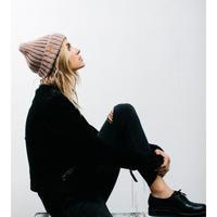 不懂搭配帽子的潮人不是一个称职的模特。