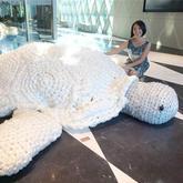 旅澳艺术家塑料袋钩织大乌龟呼吁环保