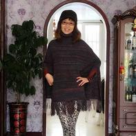 时尚廓形女士棒针羊毛斗篷