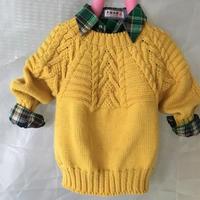 从领口往下粗针织混合阿兰图案儿童过肩毛衣