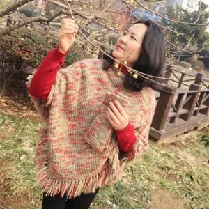 自由如风 简约时尚女士棒针斗篷和露指手套