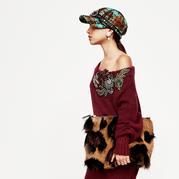 混搭复古艳丽色彩贴片毛衣尽在意大利奢侈品牌Miu Miu2017时装周