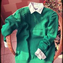 正绿色男生棒针圆领套头毛衣