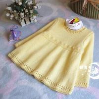 甜美可爱女童棒针裙式毛衣