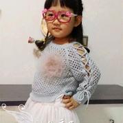 时尚百搭棒针儿童系带镂空衫