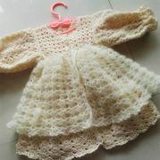 超萌的蕾丝马海钩针婴儿满月礼服