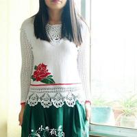 玫瑰绣花图案女士钩织结合毛衣