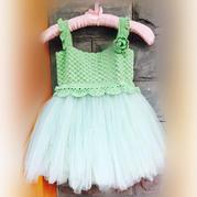萌仙萌仙的小公主钩针蕾丝吊带蓬蓬裙