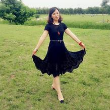 摇曳多姿经典小黑裙 女士钩针蕾丝短袖大摆裙