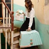 木材与手编羊毛织物制作的可移动式北欧风小橱柜