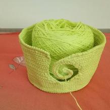 用毛线编织及织物定型方法组合而成的创意毛线碗