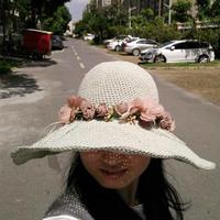 遮阳效果极佳的女士钩针棉草大檐帽