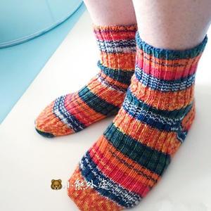 令人沉醉的毛袜编织 棒针毛线袜奔驰娱乐
