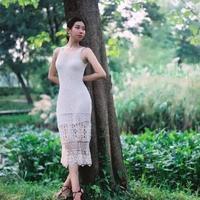 蔷薇的夏天 性感钩织结合镂空花白色长裙