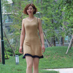 金色麦浪 修身款女士棒针背心裙奔驰娱乐