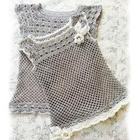 从领口往下织渔网针亲子装 夏季母女钩针罩衫