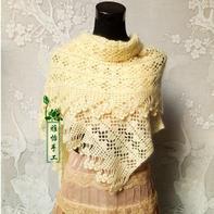 云侣钩织经典女士羊毛蕾丝花瓣流苏围披
