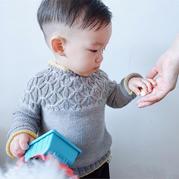 时尚大牌婴幼儿棒针小圆领毛衣