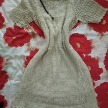 """这个秋天来件""""叶脉""""长裙配个毛呢大衣,妥妥的文艺风啊"""