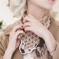 编织这些动物图案的衣饰她的理由是因为爱