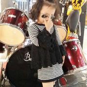 酷时尚女童棒针喇叭袖黑白条纹两件套