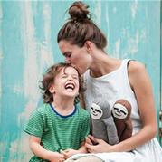 澳洲编织艺术家与她温暖有爱的软萌Super sloth玩偶