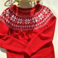 热情洋溢大红色圆肩提花套头毛衣