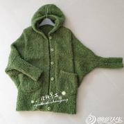 翠绿色羊驼圈圈女士连帽披风外套
