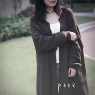 兼具风度与温度的女士棒针长款休闲外套