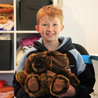 爱的神奇力量 9岁澳州男孩用手工感动世界