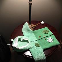 从领口往下织周岁宝宝拼色棒针连帽开衫