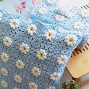 牛奶棉钩针法兰西菊靠垫与纸巾盒
