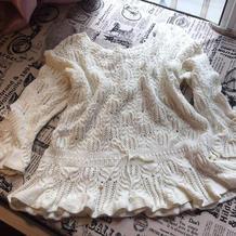 白色浪漫主义风荷叶摆棒针棕榈花圆领毛衣
