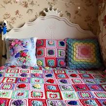 令人更爱生活更爱家的彩色毛线钩针祖母方格毯