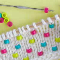 简单使用钩针为棒针编织物增加小亮点  打毛线串珠小技巧