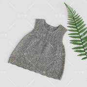 经典小灰裙 儿童棒针镂空花背心裙
