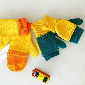 满是儿时回忆的儿童棒针带盖露指手套织法教程