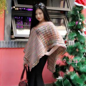 简约大方段染线女士钩织结合斗篷披肩