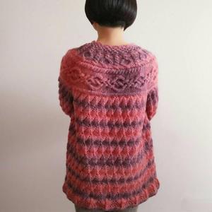 姹紫嫣红 复古绞花粗针织女士棒针育克毛衣